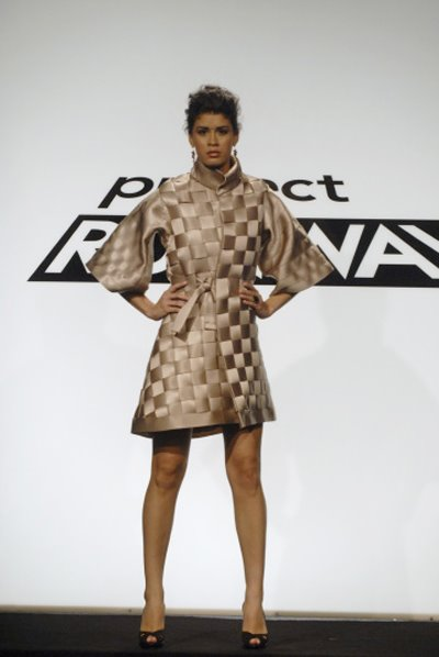 Fashion Runway Videos on Fashion   Project Runway   S Saturn Challenge    Fabulously Green